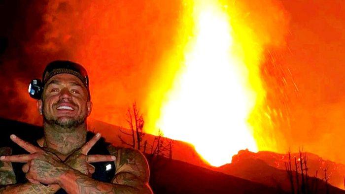 Selfies vor dem Vulkan auf La Palma: Briten droht Gerichtsverfahren